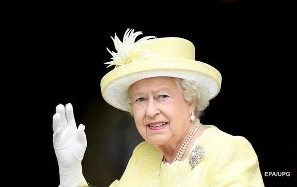 Елизавета II отказалась от звания Старушка года