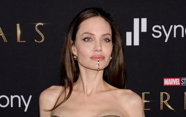 Анджелина Джоли готова к новым отношениям – СМИ