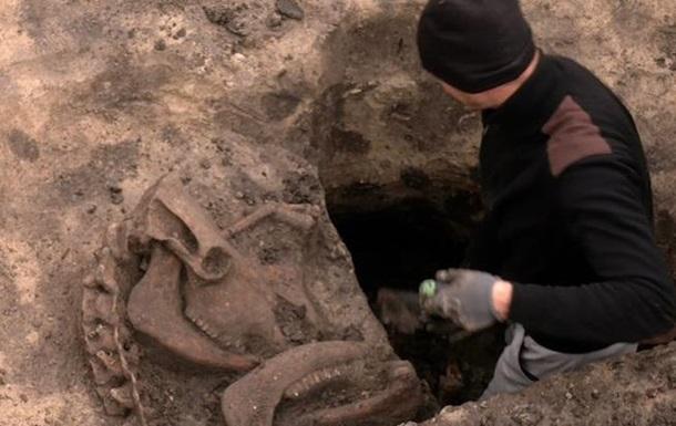 Вблизи Ровно найдено древнее ритуальное захоронение