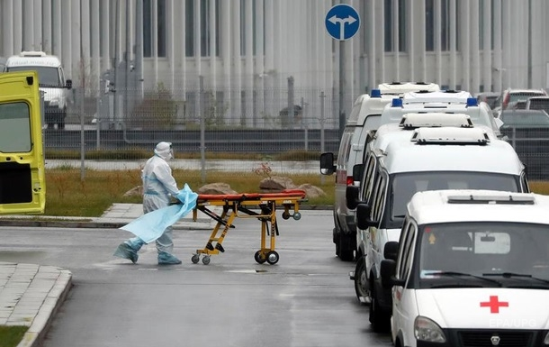 В Харькове два человека попали в больницу с ботулизмом
