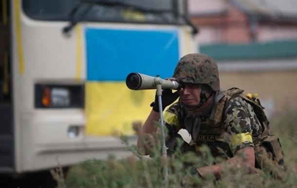 Сутки на Донбассе: 30 обстрелов, двое раненых