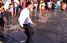 Зеленський в Маріуполі пробіг крізь фонтан